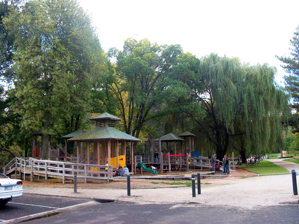 Howitt Park 03