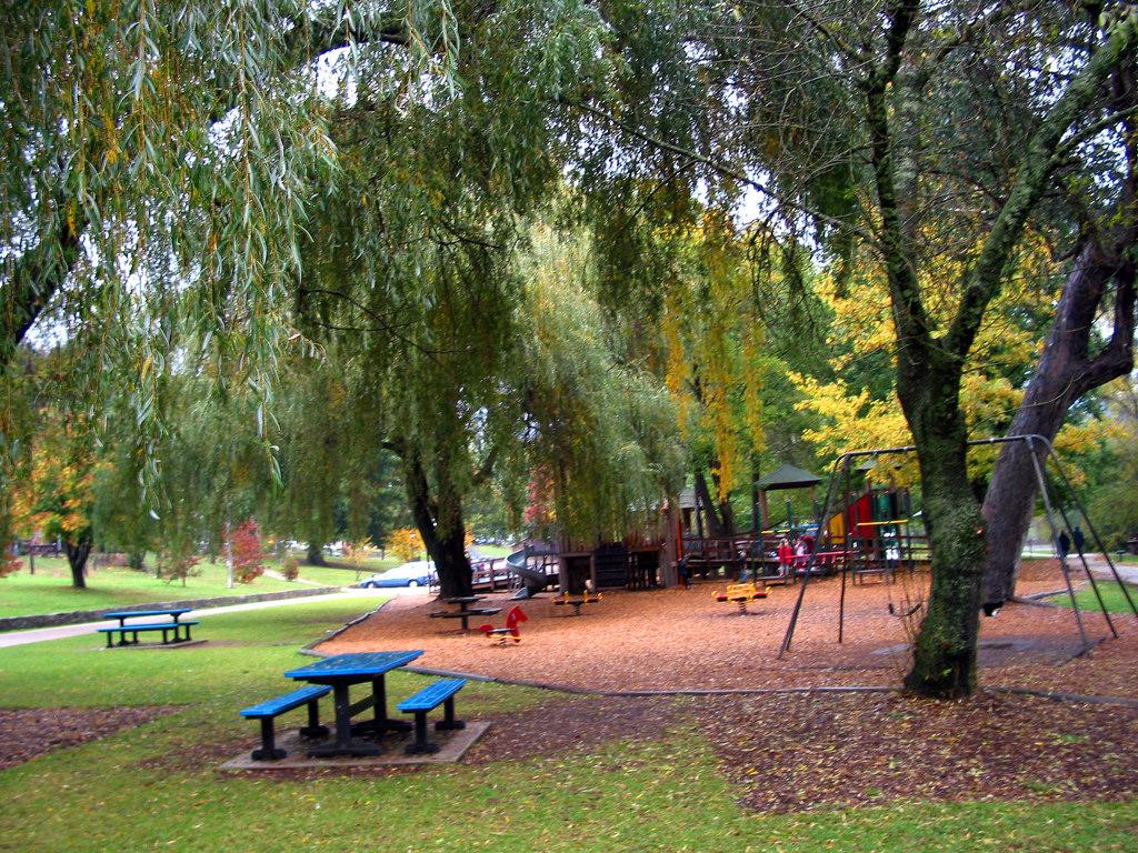 Howitt Park 01