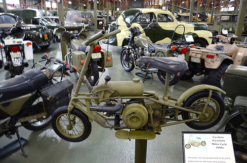 Excelsior Parachute Motorcycle 1940s 02