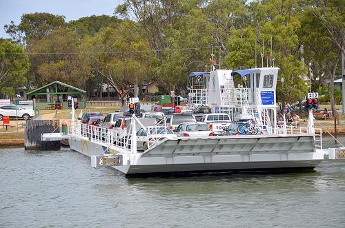 Raymond Island Ferry 01